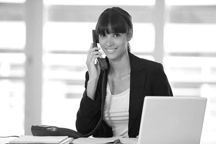 prineta receptionist answering phone